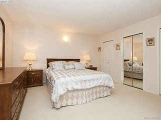 Photo 10: 786 Del Monte Place in VICTORIA: SE Cordova Bay Single Family Detached for sale (Saanich East)  : MLS®# 406763