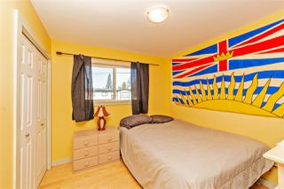 "Photo 11: 7466 LARK Street in Mission: Mission BC House for sale in ""Superstore/ Easy Lougheed Hwy Access"" : MLS®# R2351956"