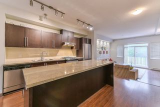 "Photo 3: 8 1125 KENSAL Place in Coquitlam: New Horizons Townhouse for sale in ""KENSAL"" : MLS®# R2370598"