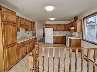 Photo 12: 9611 95 Avenue in Edmonton: Zone 18 House for sale : MLS®# E4157218