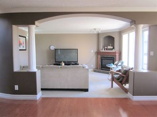 Photo 2: 6932 164 Avenue in Edmonton: Zone 28 House for sale : MLS®# E4157276