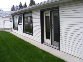 Photo 2: 5124 FOURIER Drive SE in Calgary: Forest Heights Detached for sale : MLS®# C4299569