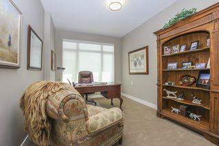 Photo 30: 812 15333 16 AVENUE in Surrey: King George Corridor Condo for sale (South Surrey White Rock)  : MLS®# R2455911