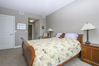Photo 27: 812 15333 16 AVENUE in Surrey: King George Corridor Condo for sale (South Surrey White Rock)  : MLS®# R2455911