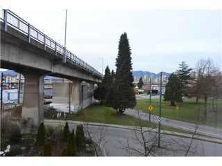 Photo 8: 302 1562 W 5TH Avenue in Vancouver: False Creek Condo for sale (Vancouver West)  : MLS®# V994390
