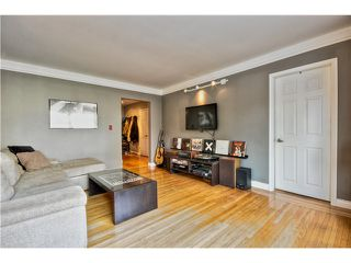 "Photo 2: 24 1480 ARBUTUS Street in Vancouver: Kitsilano Condo for sale in ""SEAVIEW MANOR"" (Vancouver West)  : MLS®# V1044772"