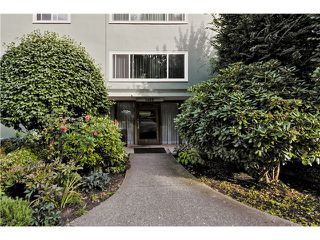 "Photo 13: 24 1480 ARBUTUS Street in Vancouver: Kitsilano Condo for sale in ""SEAVIEW MANOR"" (Vancouver West)  : MLS®# V1044772"