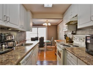 "Photo 8: 24 1480 ARBUTUS Street in Vancouver: Kitsilano Condo for sale in ""SEAVIEW MANOR"" (Vancouver West)  : MLS®# V1044772"