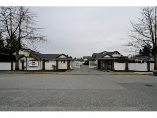 "Photo 2: 115 19649 53RD Avenue in Langley: Langley City Townhouse for sale in ""Huntsfield Green"" : MLS®# F1406703"