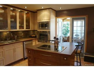 Photo 3: 35 SCOTSWOOD Drive in WINNIPEG: Charleswood Residential for sale (South Winnipeg)  : MLS®# 1408619