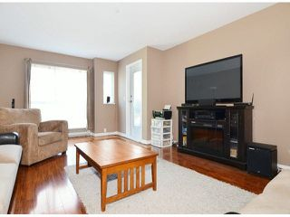 Photo 3: 206 5499 203RD Street in Langley: Langley City Condo for sale : MLS®# F1422792