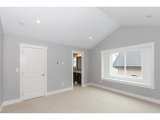 Photo 11: 5986 131ST Street in Surrey: Panorama Ridge House for sale : MLS®# F1432012