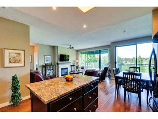 """Photo 5: 405 1745 MARTIN Drive in Surrey: Sunnyside Park Surrey Condo for sale in """"SOUTHWYND"""" (South Surrey White Rock)  : MLS®# F1436564"""