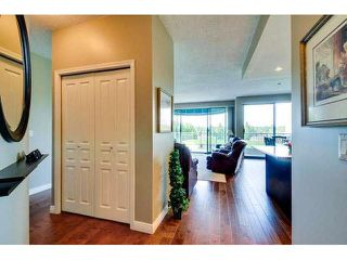 """Photo 2: 405 1745 MARTIN Drive in Surrey: Sunnyside Park Surrey Condo for sale in """"SOUTHWYND"""" (South Surrey White Rock)  : MLS®# F1436564"""