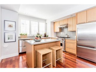 "Photo 4: 910 W 13TH Avenue in Vancouver: Fairview VW Townhouse for sale in ""THE BROWNSTONE"" (Vancouver West)  : MLS®# V1140268"