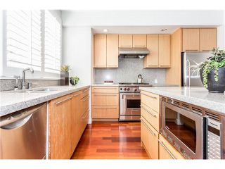 "Photo 14: 910 W 13TH Avenue in Vancouver: Fairview VW Townhouse for sale in ""THE BROWNSTONE"" (Vancouver West)  : MLS®# V1140268"