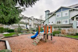 "Photo 3: 28 7488 SOUTHWYNDE Avenue in Burnaby: South Slope Townhouse for sale in ""LEDGESTONE I"" (Burnaby South)  : MLS®# R2026726"
