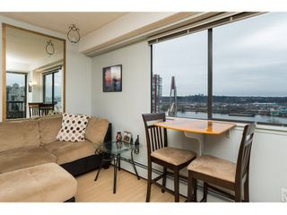 Photo 3: 803 209 CARNARVON Street in New Westminster: Downtown NW Condo for sale : MLS®# R2026855