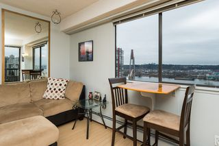Photo 4: Wonderful condo in the heart of Downtown New Westminister