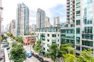 """Photo 2: 704 888 HOMER Street in Vancouver: Downtown VW Condo for sale in """"BEASLEY"""" (Vancouver West)  : MLS®# R2077176"""