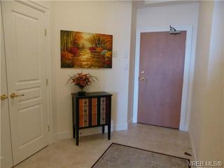 Photo 2: 816 21 Dallas Road in VICTORIA: Vi James Bay Condo Apartment for sale (Victoria)  : MLS®# 366857