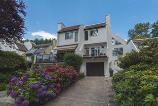 Photo 1: 531 SAN REMO Drive in Port Moody: North Shore Pt Moody House for sale : MLS®# R2090867