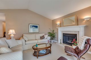 Photo 2: 2710 GOLDSTREAM Crescent in Coquitlam: Coquitlam East House for sale : MLS®# R2095248