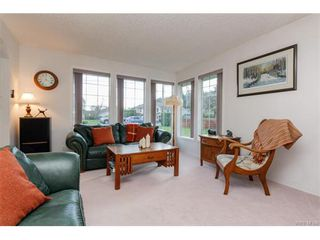Photo 5: 2938 Robalee Pl in VICTORIA: La Goldstream Single Family Detached for sale (Langford)  : MLS®# 746414
