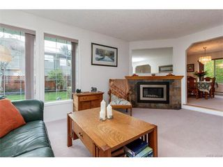 Photo 4: 2938 Robalee Pl in VICTORIA: La Goldstream Single Family Detached for sale (Langford)  : MLS®# 746414
