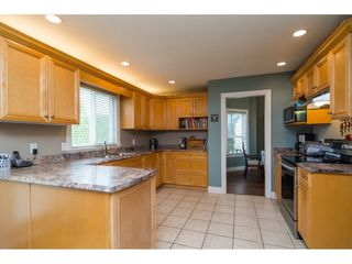 "Photo 8: 20595 97B Avenue in Langley: Walnut Grove House for sale in ""DERBY HILLS"" : MLS®# R2156981"