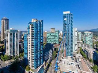 Photo 3: 2503 588 BROUGHTON Street in Vancouver West: Condo for sale : MLS®# V872013