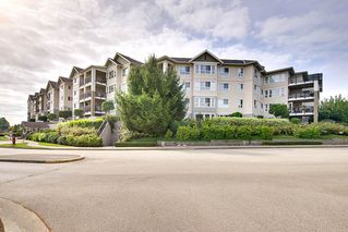 Photo 2: 222 19673 MEADOW GARDENS WAY in Pitt Meadows: North Meadows PI Condo for sale : MLS®# R2197820