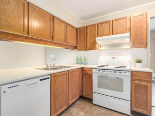 Photo 2: 206 1633 W 11TH AVENUE in Vancouver: Fairview VW Condo for sale (Vancouver West)  : MLS®# R2197304