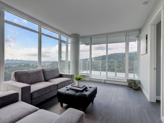 """Photo 5: 2202 520 COMO LAKE Avenue in Coquitlam: Coquitlam West Condo for sale in """"THE CROWN"""" : MLS®# R2215084"""
