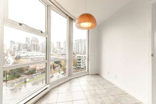 "Photo 9: 1006 193 AQUARIUS Mews in Vancouver: Yaletown Condo for sale in ""MARINASIDE RESORT"" (Vancouver West)  : MLS®# R2220343"