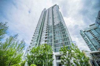 "Photo 2: 1006 193 AQUARIUS Mews in Vancouver: Yaletown Condo for sale in ""MARINASIDE RESORT"" (Vancouver West)  : MLS®# R2220343"