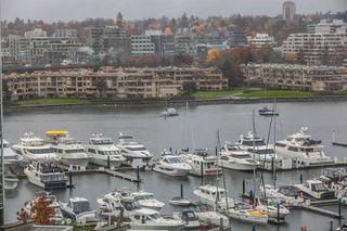 "Main Photo: 1006 193 AQUARIUS Mews in Vancouver: Yaletown Condo for sale in ""MARINASIDE RESORT"" (Vancouver West)  : MLS®# R2220343"