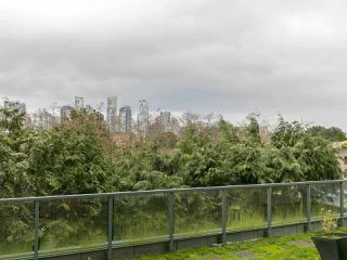 "Photo 11: 105 1365 W 4TH Avenue in Vancouver: False Creek Condo for sale in ""Granville Island Village"" (Vancouver West)  : MLS®# R2238704"