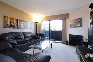 "Photo 3: 107 341 W 3RD Street in North Vancouver: Lower Lonsdale Condo for sale in ""Lisa Place"" : MLS®# R2271660"