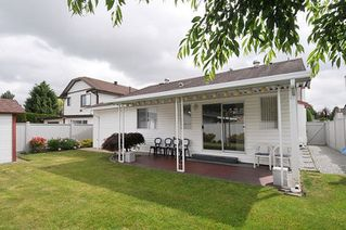 Photo 19: 12309 193 Street in Pitt Meadows: Mid Meadows House for sale : MLS®# R2273860