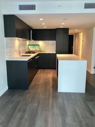 """Photo 1: 906 8238 LORD Street in Vancouver: Marpole Condo for sale in """"NORTHWEST"""" (Vancouver West)  : MLS®# R2282677"""
