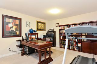 "Photo 17: 37 16760 61 Avenue in Surrey: Cloverdale BC Townhouse for sale in ""HARVEST LANDING"" (Cloverdale)  : MLS®# R2282376"