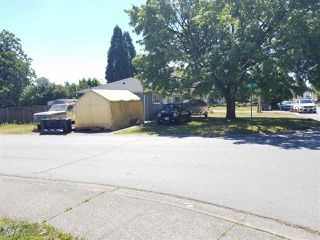 Photo 3: 7792 126A Street in Surrey: West Newton House for sale : MLS®# R2288161