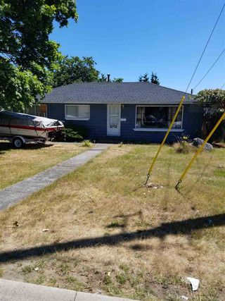 Photo 1: 7792 126A Street in Surrey: West Newton House for sale : MLS®# R2288161