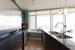 """Photo 5: 2508 888 CARNARVON Street in New Westminster: Downtown NW Condo for sale in """"MARINUS AT PLAZA 88"""" : MLS®# R2292806"""