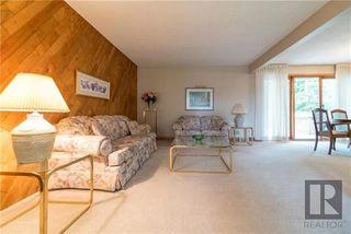 Photo 3: 34 Mohawk Bay in Winnipeg: Niakwa Park Residential for sale (2G)  : MLS®# 1822279