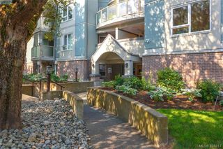 Photo 2: 207 2710 Grosvenor Road in VICTORIA: Vi Oaklands Condo Apartment for sale (Victoria)  : MLS®# 401817