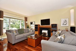 "Photo 2: 1351 E 19TH Avenue in Vancouver: Knight House for sale in ""KENSINGTON - CEDAR COTTAGE"" (Vancouver East)  : MLS®# R2332963"