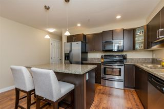 """Photo 6: 301 5488 198 Street in Langley: Langley City Condo for sale in """"BROOKLYN WYND"""" : MLS®# R2334755"""