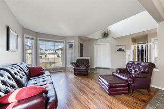 Photo 5: 3303 32 Avenue in Edmonton: Zone 30 House for sale : MLS®# E4143055